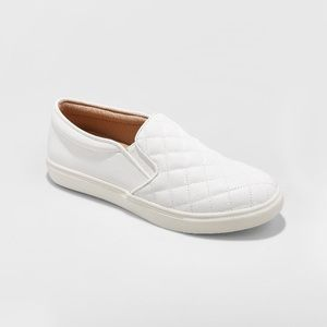 Reese White Quilted Slip On Sneaker Size 6.5 Wide